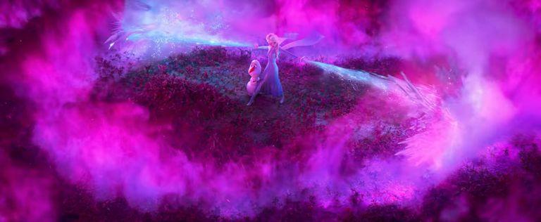 La Reine Neiges 2 : Elsa et Olaf dans un brouillard rose