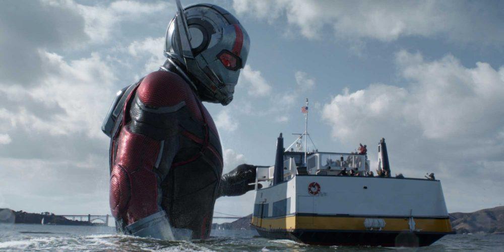 Ant-Man arrête un bateau