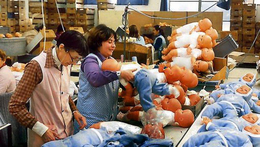 La fabrication des poupées Bella