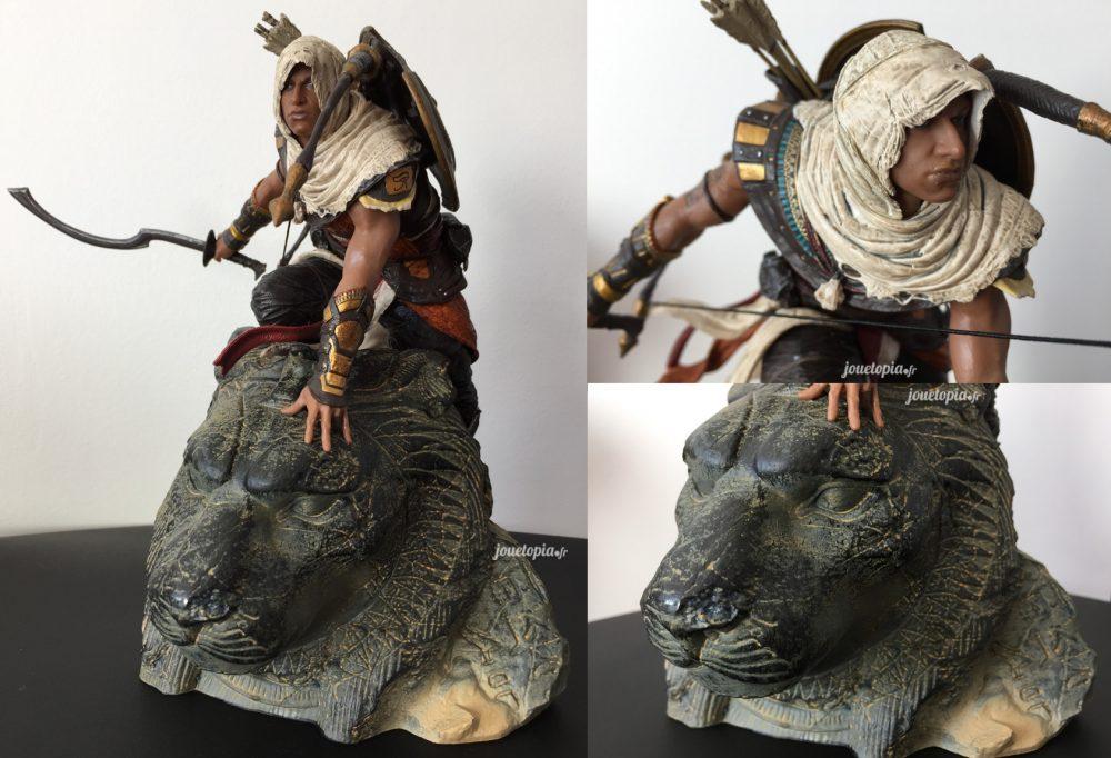La figurine de Bayek sur la statue de la déesse Sekmet