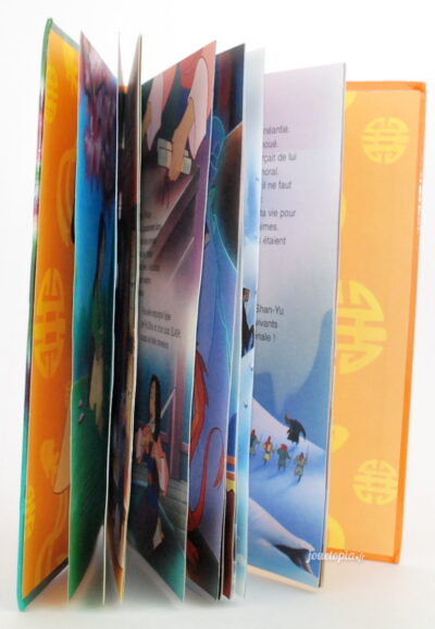 Intérieur du livre Mulan (Mickey Club)
