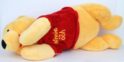 Peluche Winnie l'Ourson allongé 50cm