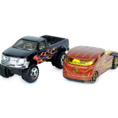 Miniatures Hot Wheels Ford F-150 noir et Qombee marron